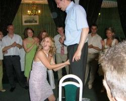 Свадебные приколы: конкурс с яйцами